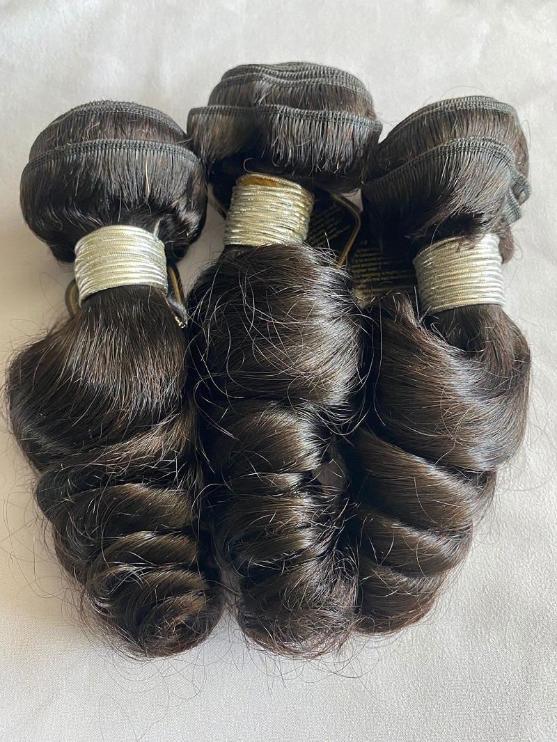 You are currently viewing 18″ Loose Curly